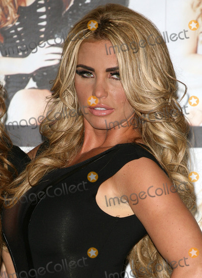 Katie Price Photo - Katie Price at the 'Signed By Katie Price' presscall, The Worx, London. 19/01/2012  Picture by: Alexandra Glen / Featureflash