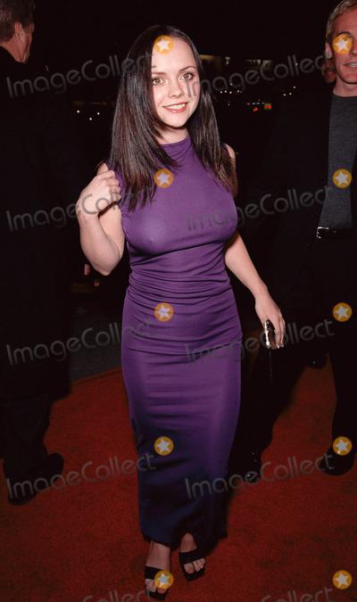photos and pictures 17nov99 actress christina ricci at