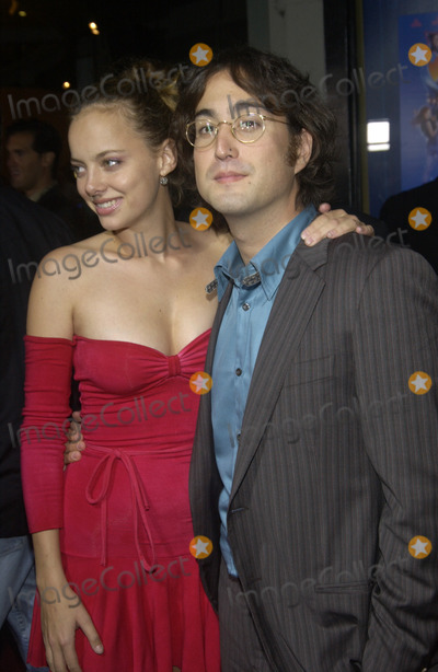 Bijou Phillips, Sean Lennon Photo - Actress BIJOU PHILLIPS & boyfriend singer SEAN LENNON at the Los Angeles premiere of Wonderland.