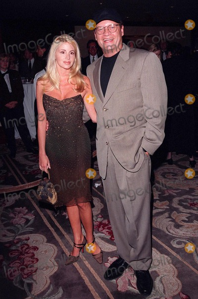 Kelsey Grammer, Sumner Redstone, The National Photo - 23APR98:  Frazier star KELSEY GRAMMER & wife at the 