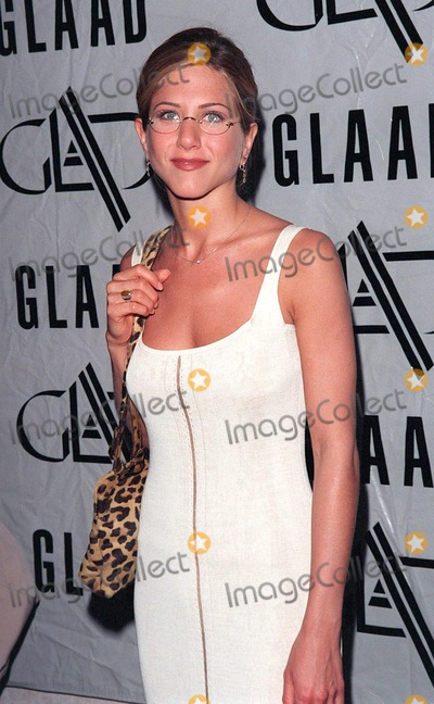 Jennifer Aniston Photo - 20APR98:  Friends star JENNIFER ANISTON at the 9th Annual GLAAD (Gay & Lesbian Alliance Against Defamation) Awards, in Beverly Hills.