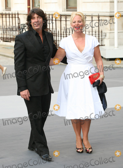 Jackie Llewelyn-Bowen, Laurence Llewelyn Bowen, Laurence Llewelyn-Bowen Photo - Laurence Llewelyn-Bowen, his wife Jackie arriving for The Royal Academy of Arts - Summer Exhibition Preview Party, at the The Royal Academy of Arts, London. 02/06/2011  Picture by: Alexandra Glen / Featureflash