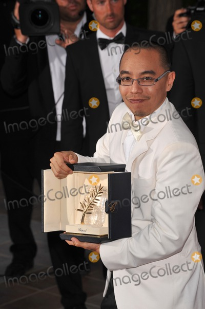 Apichatpong Weerasethakul Photo - Palme D'Or winner Apichatpong Weerasethakul at the closing Awards Gala at the 63rd Festival de Cannes.