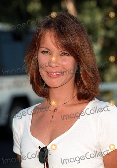 Alexandra Paul Photo - 02NOV97:  Actress ALEXANDRA PAUL at the Environmental Media Awards in Los Angeles.