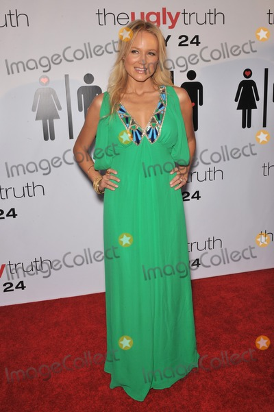 """Jewel Photo - Jewel at the premiere of """"The Ugly Truth"""" at the Cinerama Dome, Hollywood.July 16, 2009  Los Angeles, CAPicture: Paul Smith / Featureflash"""
