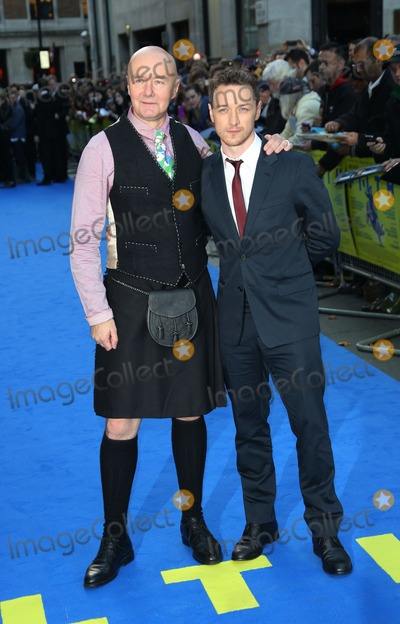 Irvine Welsh Photo - Irvine Welsh and James McAvoy arriving for the UK premiere of Filth held at the Odeon - ArrivalsLondon. 30/09/2013 Picture by: Henry Harris / Featureflash