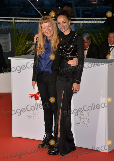 Andrea Arnold, Sasha, The Jury, Sasha Lane Photo - Director Andrea Arnold, winner of The Jury Prize for the film 'American Honey', & actress Sasha Lane at the winners' photocall at the 69th Festival de Cannes.May 22, 2016  Cannes, FrancePicture: Paul Smith / Featureflash