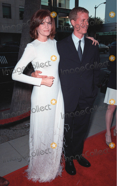 """Pierce Brosnan, Rene Russo, RENEE RUSSO Photo - 27JUL99:  Actress RENE RUSSO & husband at the world premiere, in Beverly Hills, of her movie """"The Thomas Crown Affair"""" in which she stars with Pierce Brosnan. Paul Smith / Featureflash"""