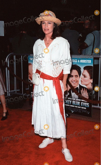 """Hugh Grant, Jacqueline Bisset Photo - 17AUG99: Actress JACQUELINE BISSET at the Los Angeles premiere of """"Mickey Blue Eyes"""" which stars Hugh Grant. Paul Smith / Featureflash"""