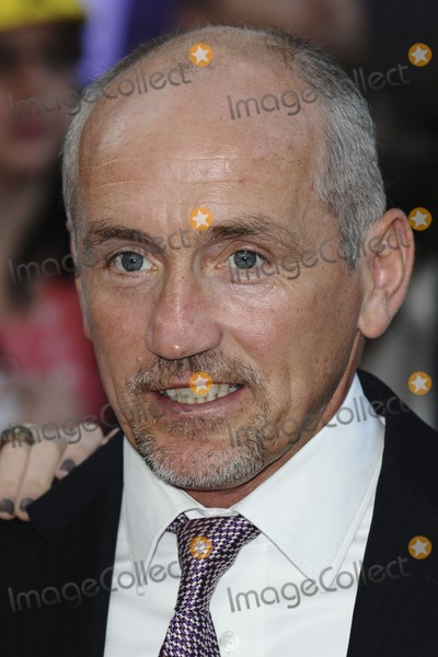 Barry McGuigan Photo - Barry McGuigan arriving for the 2011 Pride Of Britain Awards, at the Grosvenor House Hotel, London. 04/10/2011 Picture by: Steve Vas / Featureflash