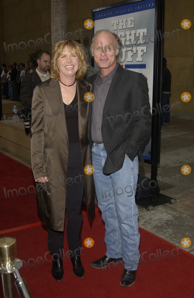 Amy Madigan, Ed Harris Photo - Actor ED HARRIS & actress wife AMY MADIGAN at the 20th Anniversary Gala Cast reunion for The Right Stuff.  The screening, in Hollywood, also marked the release of the movie on DVD.June 9, 2003 Paul Smith / Featureflash