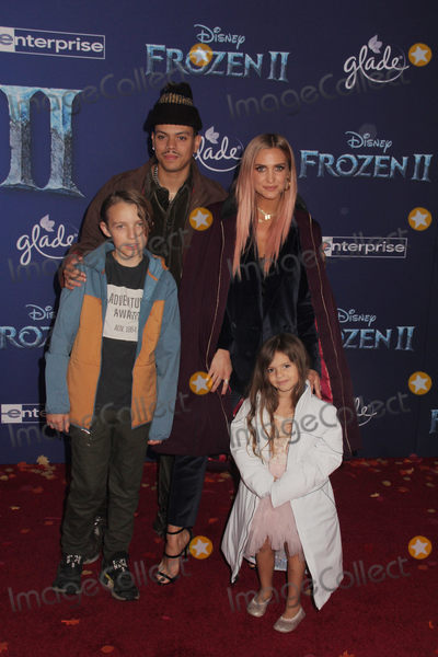Ashlee Simpson, Evan Ross, Bronx Wentz Photo - Bronx Wentz, Evan Ross, Ashlee Simpson, Jagger Snow