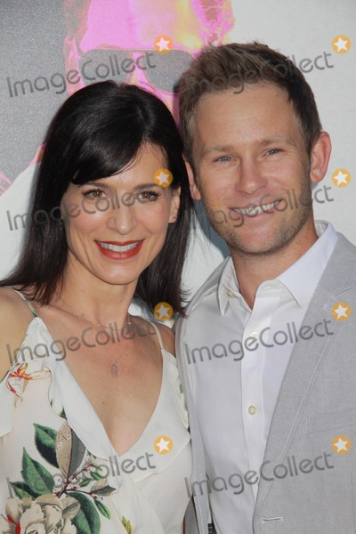 """Perrey Reeves, Perrey Reeves-, Aaron Fox Photo - Perrey Reeves, Aaron Fox08/15/2016 """"War Dogs"""" Premiere held at the TCL Chinese Theater in Hollywood, CAPhoto by Hiroto Takarada / HollywoodNewsWire.net"""