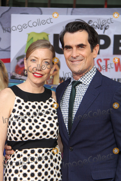 Anne Brown, Ty Burrell Photo - olly Anne Brown, Ty Burrell 