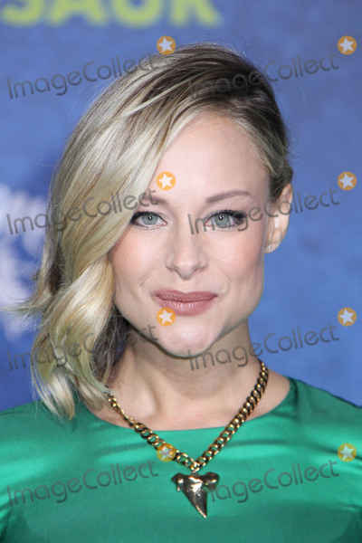 Alyshia Ochse Photo - Alyshia Ochse 