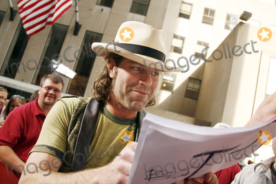 "Big and Rich, Big Kenny, Big Kenny Alphin, Kenny Alphin, ""Big Kenny"" Alphin Photo - Big Kenny Alphin of the country duo Big And Rich signs autographs during The Today Show on July 8, 2006 in"