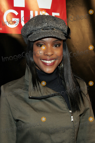 Alisha Davis Photo - CNN's Alisha Davis arrives to the big party celebrating the launch of the new Big TV Guide on October 11,  2005 in