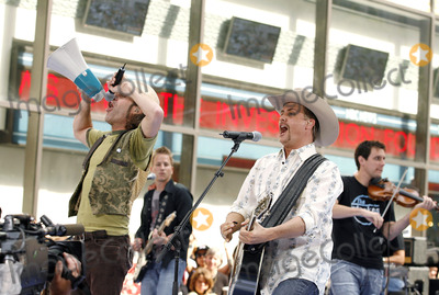 """Big and Rich, Big Kenny, Big Kenny Alphin, John Rich, Kenny Alphin, """"Big Kenny"""" Alphin Photo - Big Kenny Alphin and John Rich of the country duo Big And Rich onstage performing during The Today Show on July 8, 2006 inNew York City."""