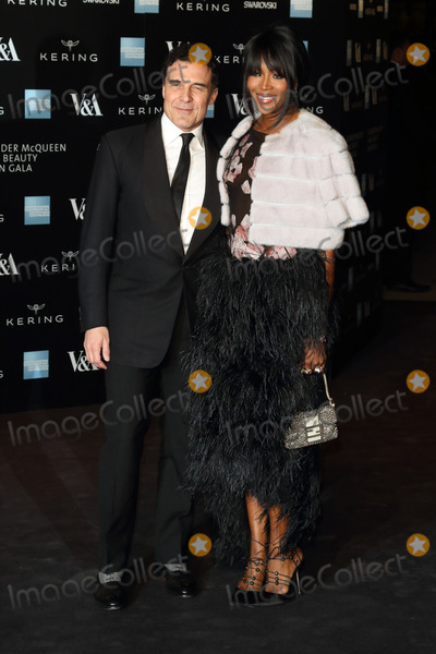 Andre Balazs, Naomi Campbell, Queen, Andr Balazs, André Balazs Photo - London. UK. Andre Balazs and Naomi Campbell at Alexander McQueen: Savage Beauty Fashion Benefit Dinner at the Victoria and Albert Museum, Kensington, London on the 12th March 2015.Ref: LMK73-50697-031315Keith Mayhew/Landmark Media WWW.LMKMEDIA.COM