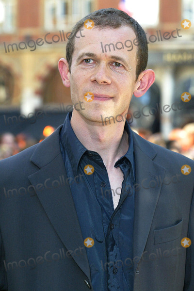 Adam Godley Photo - London. Adam Godley at the UK Premiere of 'Charlie and the Chocolate Factory' at the Odeon, Leicester Square .17 July 2005Jenny Roberts/Landmark Media