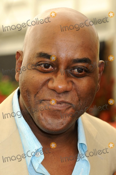 Ainsley Harriott Photo - London. UK.  Ainsley Harriott at the  RHS (Royal Horticultural Society)  Chelsea Flower Show in London. 24th May 2010.
