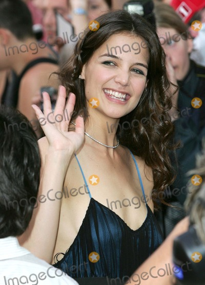 Katie Holmes, Katie Holme, Leicester Square Photo - London. Katie Holmes at the UK Premiere of 'War of the Worlds' held at the Odeon, Leicester Square.19 June 2005Keith Mayhew/Landmark Media