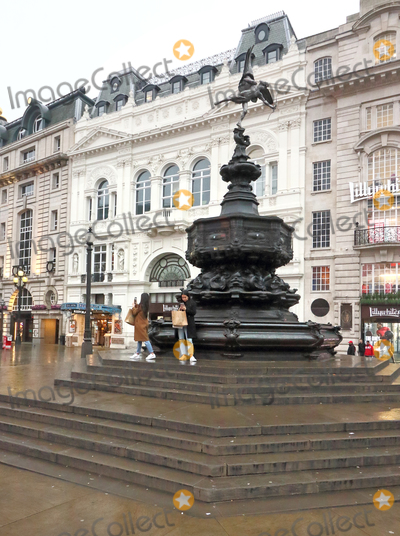 Piccadilly Circus Photo - London, UK. Piccadilly Circus. Large empty spaces where tourists usually gather and deserted streets around landmarks due to the threat of a further spread of coronavirus -COVID-19  . London 19th March 2020Ref: LMK73-J6378-200320Keith Mayhew/Landmark MediaWWW.LMKMEDIA.COM