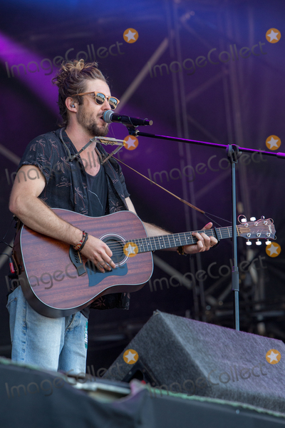 Jeremy Loops, Jeremi Thomas, Jeremy Thomas Photo - Southwold, Suffolk. South African singer, songwriter, and record producer Jeremy Thomas Hewitt, better known as Jeremy Loops  plays the BBC6 Music stage during 2018 Latitude Festival  at Henham Park near Southwold, Suffolk. 15th July 2018Ref: LMK73-J2315-160718Keith Mayhew/Landmark MediaWWW.LMKMEDIA.COM