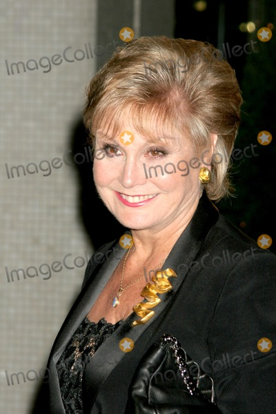 Angela Rippon, Shirley Bassey Photo - London. Angela Rippon at Another Audience with Shirley Bassey at LWT studios.
