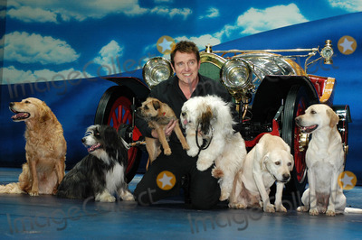 Alvin Stardust, Brian Conley, Carrie Sutton, Jo Gibb, Tony Adams, CAST MEMBER, CAST MEMBERS Photo - London. Chitty Chitty Bang Bang cast members Brian Conley, Alvin Stardust, Tony Adams, Jo Gibb and Carrie Sutton joined North Shore Animal League International's 2005 Tour For Life at the London Palladium to promote the re-homing of shelters pets in London and the UK.21 April 2005Ali Kadinsky/LANDMARK MEDIA