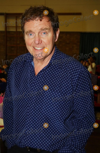 Alvin Stardust Photo - Hazlemere.  Alvin Stardust at Hazlemere C of E Combined School where the 60's and 70's singing star was rehearsing with pupils who are joining him on his show at High Wycombe Town Hall on 19 December.28 November 2007 Andy Lomax/Landmark Media