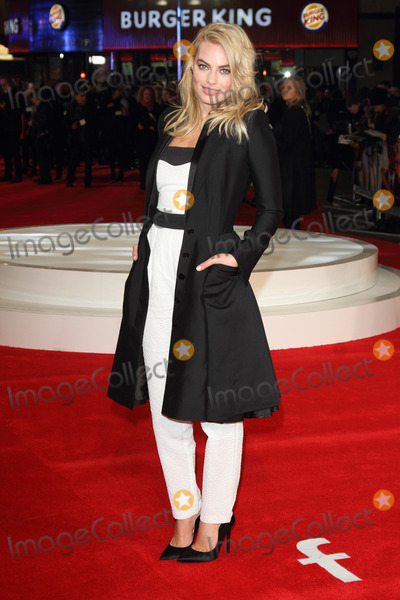 Margot Robbie Photo - London, UK. Margot Robbie at 'Focus' Special Screening at the Vue West End, Leicester Square, London on February 11th 2015Ref: LMK73-50582-120215Keith Mayhew/Landmark Media. WWW.LMKMEDIA.COM