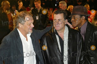 Antonio Fargas, David Soul, Michael Glaser, Paul Michael, Paul Michael Glaser Photo - London. David Soul, Paul Michael Glaser and Antonio Fargas at the premiere of the new Starsky and Hutch film at the Odeon, Leicester Square.11 March 2004.ALEXANDRE/LANDMARK MEDIA LMK