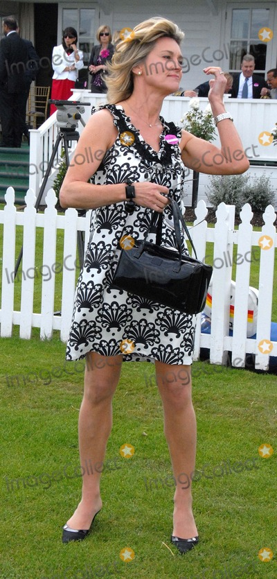 Anthea Turner, Chris Evans Photo - Windsor. Berkshire. UK.  TV presenter Anthea Turner  at the Guards Polo Club in  Windsor Great Park.  She is reported to recently bought the house of DJ/TV presenter Chris Evans  for 5 million. 21st June 2009. Syd/Landmark Media