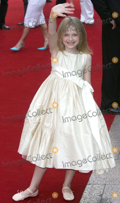 Dakota Fanning, Leicester Square Photo - London. Dakota Fanning at the UK Premiere of 'War of the Worlds' held at the Odeon, Leicester Square.