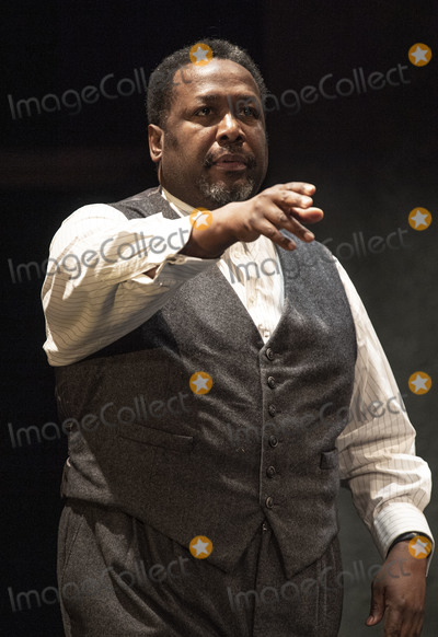 Wendell Pierce, Arthur Miller, Wendel Pierce, Gary Mitchell Photo - London, UK.   Wendell Pierce  at the photo call for the Arthur Miller classic Death of a Salesman at the Piccadilly theatre, West End, London. 1st November 2019. Ref:LMK386-S2535-011119 Gary Mitchell/Landmark Media WWW.LMKMEDIA.COM.