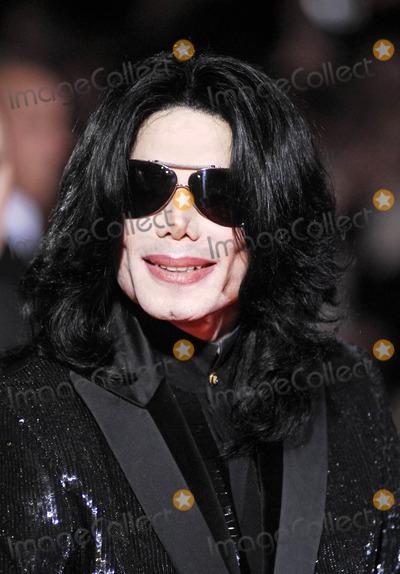 Michael Jackson Photo - London. UK. Michael Jackson out and about. 15th Novemberr 2006.Lisle Brittain/Landmark Media.