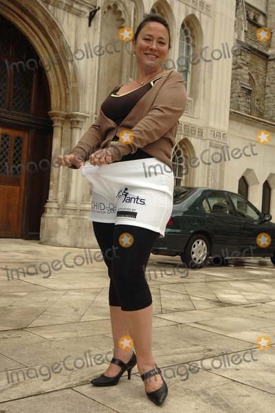 Arabella Weir Photo - London. UK. Arabella Weir takes part in launch of  male cancer charity's fundraising day, Man in Pants, at the Guildhall Yard. 15th May 2007. Ali Kadinsky/Landmark Media.