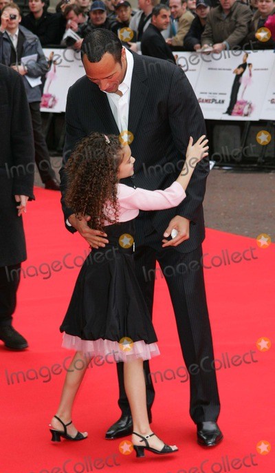 Madison Pettis And Jaden Smith Kissing Photos and Pict...