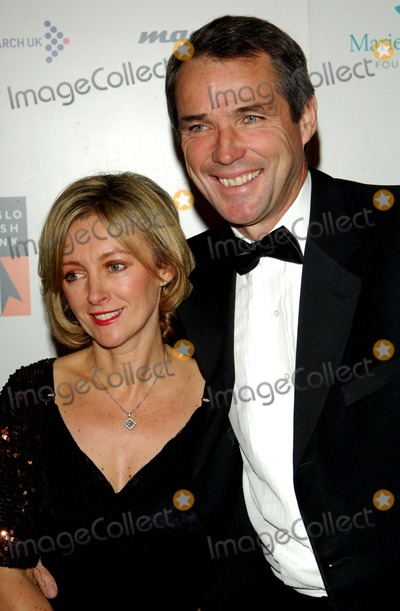 Alan Hansen Photo - London.UK. Former Scottish international football player and now TV commentator Alan Hansen with wife Janet at the 'Emeralds and Ivy Ball' to help raise money for the charity Cancer Research UK. Battersea Evolution. 21st November 2008. Chris Joseph/Landmark Media