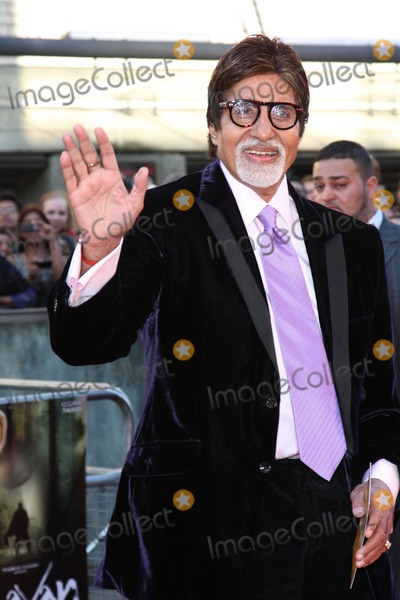Amitabh Bachchan Photo - London, UK. Amitabh Bachchan at the World Premiere of Raavan, held at the BFI, South Bank, London, 16th June 2010.