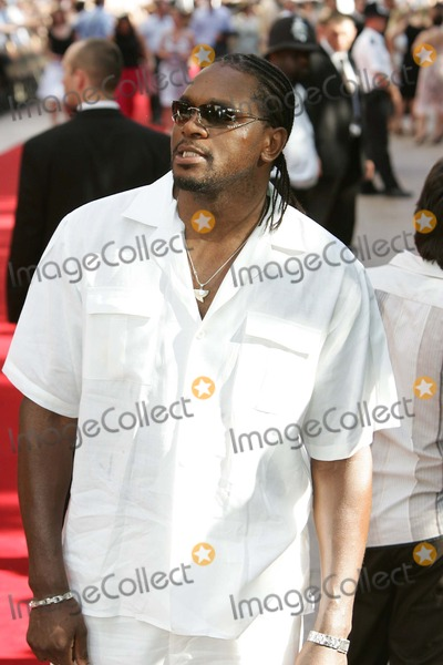 Audley Harrison Photo - London. Audley Harrison at the UK Premiere of 'War of the Worlds' held at the Odeon, Leicester Square.