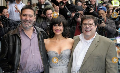 Andy Fickman, Carla Gugino, Ciaran Hinds Photo - London.UK. Ciaran Hinds, Carla Gugino and  Andy Fickman   at the UK premiere of their film  'Race to Witch Mountain'  . Odeon West End. 5th April 2009. Syd/Landmark Media.