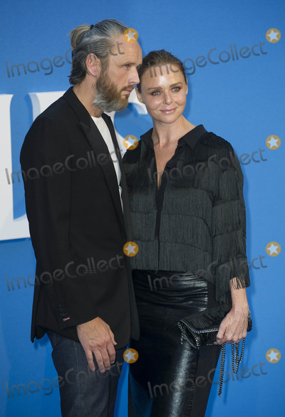 Alasdhair Willis, Beatles, The Beatles, Gary Mitchell, Leicester Square Photo - London, UK. Stella McCartney and Alasdhair Willis at the World premiere of 'The Beatles: Eight Days A Week - The Touring Years' at Odeon Leicester Square on September 15, 2016 in London, England.Ref: LMK386-61058-160916Gary Mitchell/Landmark MediaWWW.LMKMEDIA.COM