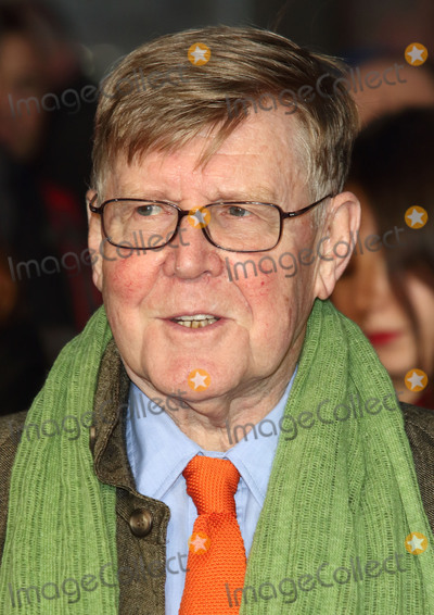 Alan Bennett Photo - London, UK. Alan Bennett at London Film Festival Centrepiece Gala 'The Lady in the Van' at the Odeon, Leicester Square, London on October 13th 2015.
