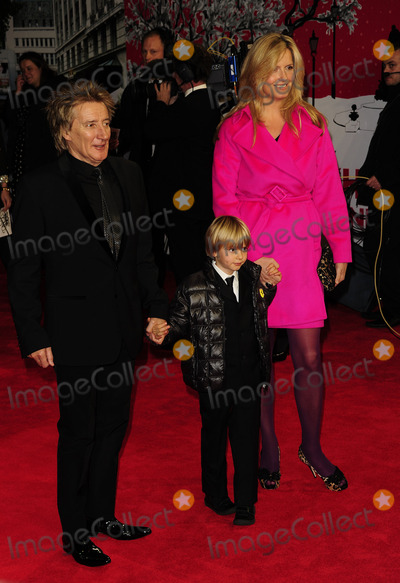 Alastair Stewart, Penny Lancaster, Rod Stewart, Leicester Square Photo - London. UK.  Rod Stewart  and Penny Lancaster with their son Alastair Stewart    at  The Royal Film Performance of Hugo at the Odeon, Leicester Square, London.  28th November 2011. SYD/Landmark Media