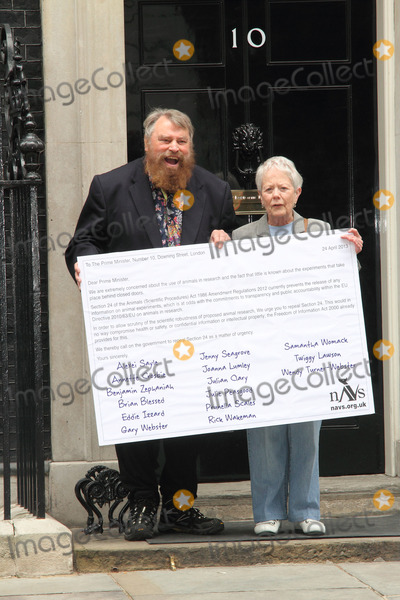 Annette Crosbie, Brian Blessed, Joanna Lumley, Julian Clary, STREET SIGN, Eddie Izzard, Twiggy Photo - London, UK.  Actors Brian Blessed and Annette Crosbie are among a group delivering a post card to 10 Downing Street, signed by celebrities such as, Joanna Lumley, Twiggy, Eddie Izzard and Julian Clary in support of greater transparency on animal research, on World Day for Laboratory Animals. 24th April 2013.Keith Mayhew/Landmark Media