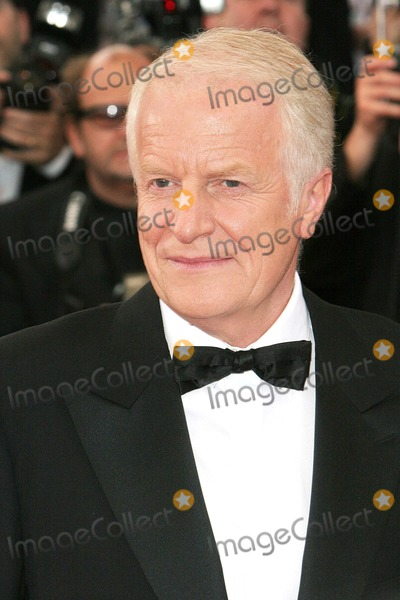 Andre Dussolier, André Dussolier Photo - Cannes, France. Andre Dussolier at the opening night of the Cannes Film Festival.11 May 2005Jenny Roberts/Landmark Media