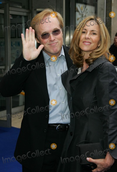 Brad Bird, Leicester Square Photo - London, UK. Director Brad Bird and Elizabeth Bird at the UK Premiere of his film 'Ratatouille' held at the Odeon West End, Leicester Square. 30th September 2007.Keith Mayhew/Landmark Media