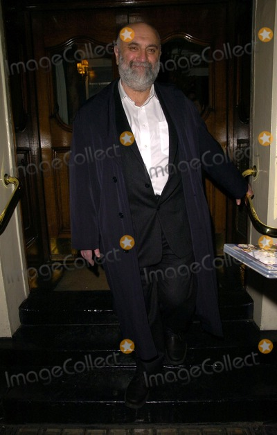 Alexei Sayle Photo - London. UK. Alexei Sayle at 'The Lady From Dubuque' gala evening held at the Theatre Royal Haymarket. 19th March 2007. Can Nguyen/Landmark Media